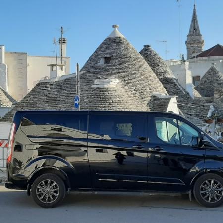 Trulli autista privato minivan